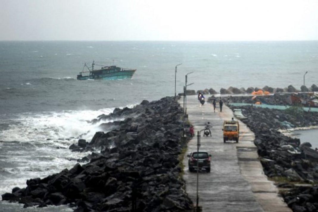 Cyclone Nivar to hit Tamil Nadu ( Picture Credits: News18 )