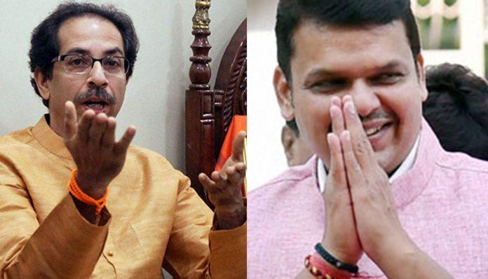 Uddhav-Fadnavis tusle on Arnab arrest