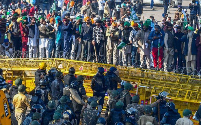 Farmers protest in Delhi. Pic C the Hindu