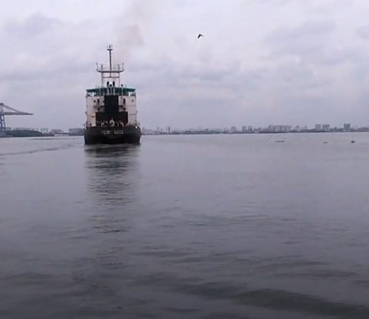 Ship to Kochi-port