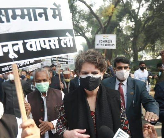 Congress march to Rashtrapati Bhavan stopped; Priyanka, other leaders detained