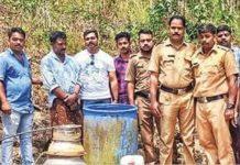 Excise team capture arrack seller