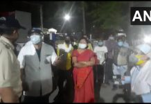 Oxygen cylinders looted by some people at Damoh District Hospital last night