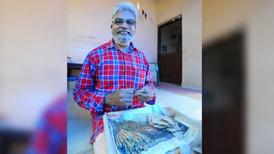 beedi worker who donated two lakhs to CM Disaster relief fund